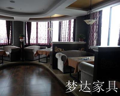 郑州伯爵伦咖啡厅桌椅装修效果图