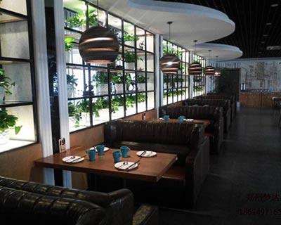 河南周口樱馨融合餐厅卡座沙发装修效果图