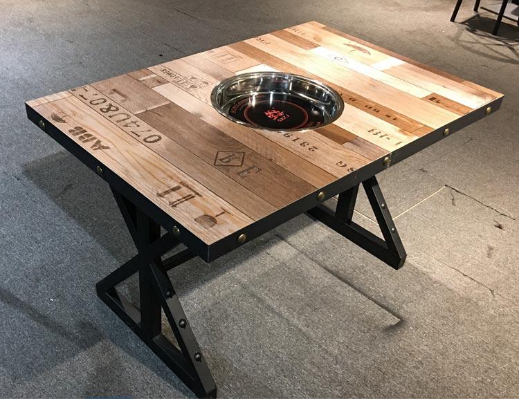 高档火锅店餐桌产品实拍图片