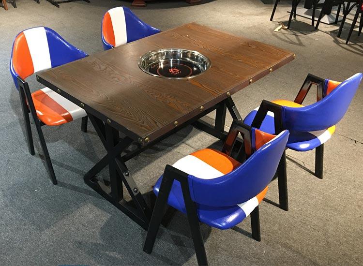 高档火锅店餐桌椅产品实拍图片