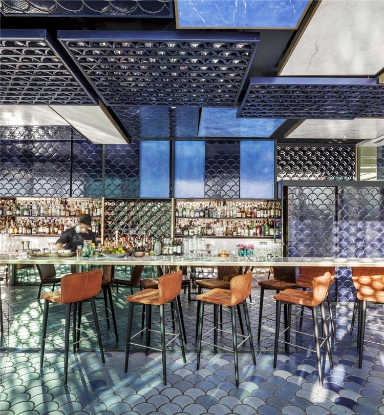 BLUE WAVE 酒吧桌椅装修效果图