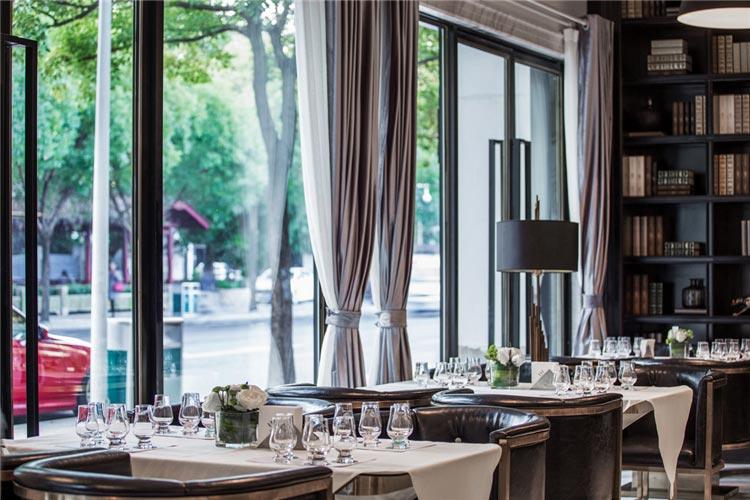 三坊七巷西餐厅桌椅装修效果图