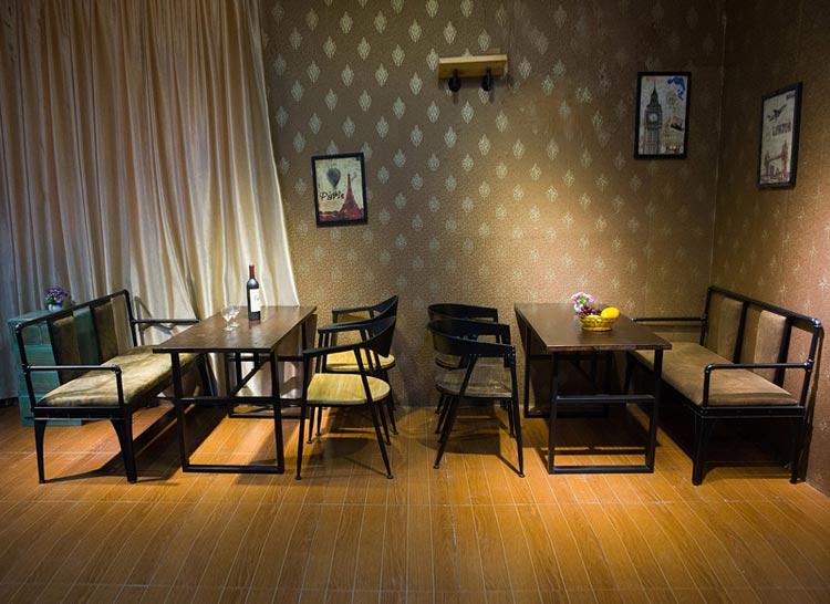 梦达钢木快餐桌椅实景图片