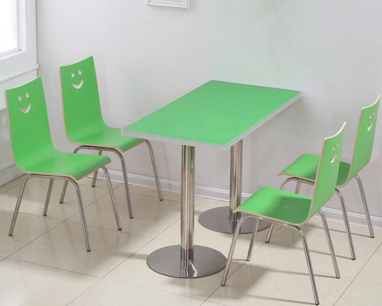 草绿色肯德基快餐桌椅装修效果图
