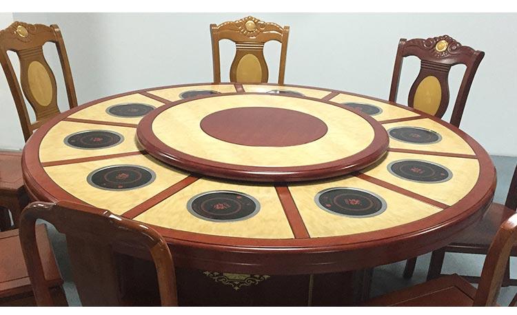高档火锅餐桌实拍图片