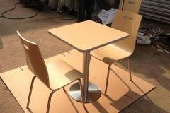 曲木餐桌椅与普通餐桌椅板材的区别