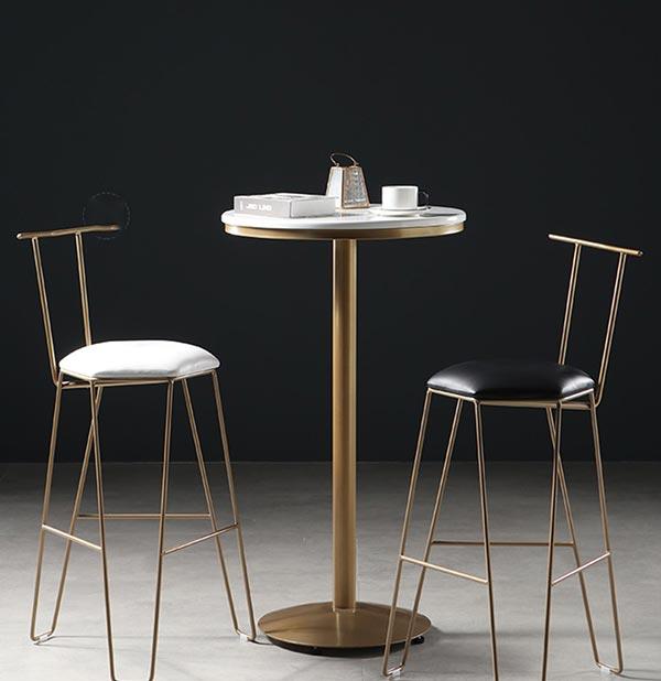 小酒吧桌椅图片