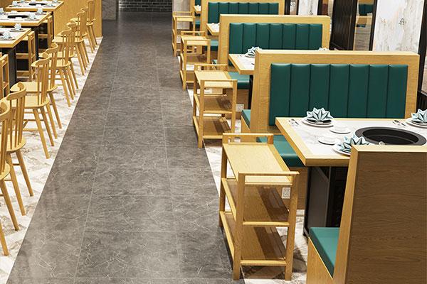 火锅餐桌图片